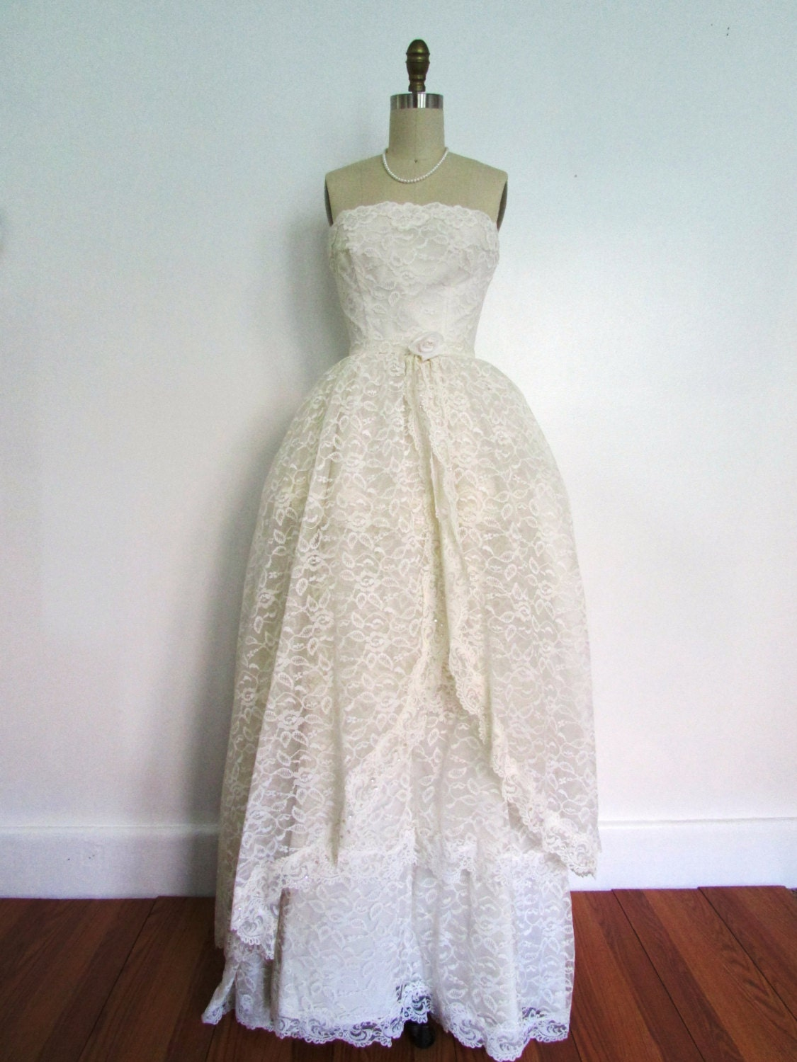 1950s lace and satin wedding gown vintage 50s four tier lace