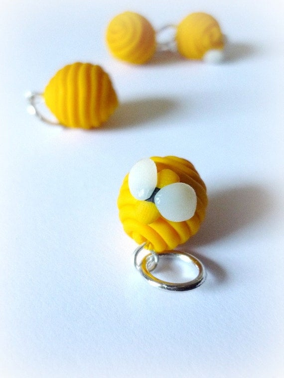 Beehive stitch markers, bees, set of 4 - UK seller