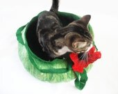 Cat Bed Cave House Basket with poppy flower