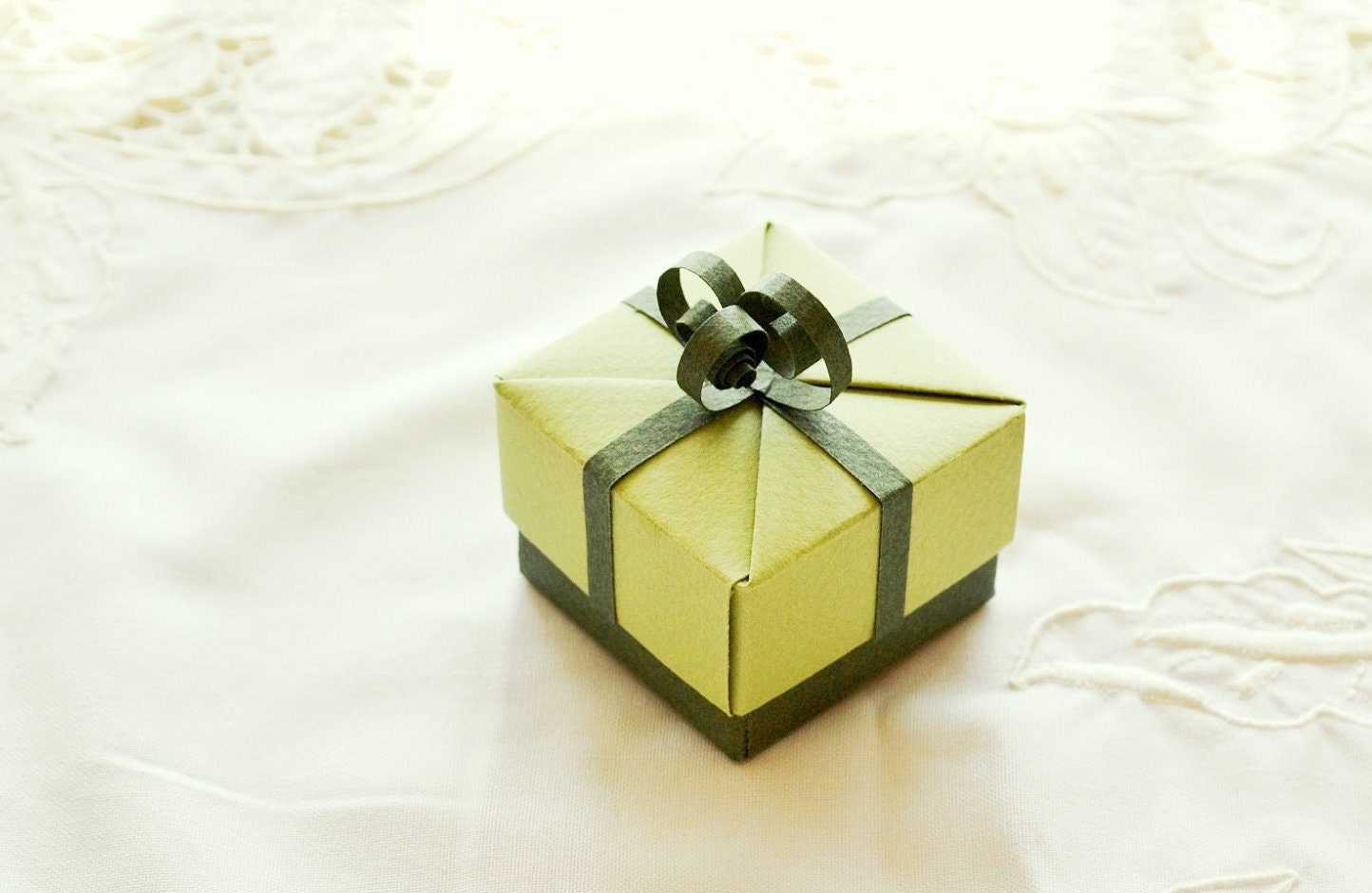 Items similar to Small Green Origami Gift Box, Unique ...