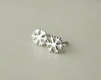 925 Sterling silver Snow Flake Simple Cute Hand-made Stud Earrings 175