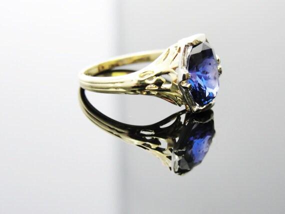 Art Nouveau Filigree Basket Engagement Ring with Stunning Ceylon Sapphire RGSA117D