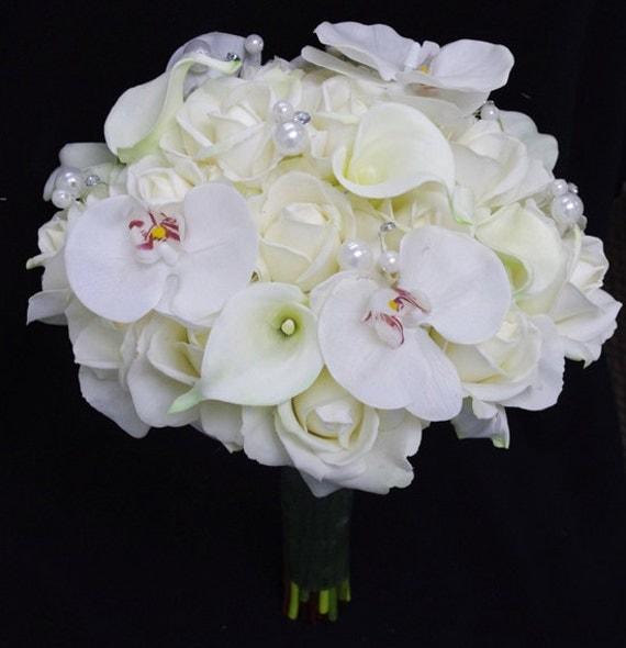 brautstrau mit weisse rosen orchideen und callas. Black Bedroom Furniture Sets. Home Design Ideas
