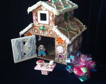 Gingerbread houses for all holidays