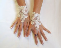 Cream beige lace gloves  bridal  wedding fingerless burlesque body tattoo storm wind guantes romantic bridesmaid glove