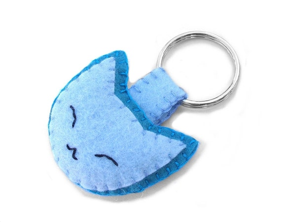 Cute blue cat keychain, felt cat plushie, cute kitten key ring, smiling cat softie, fabric plush kitty