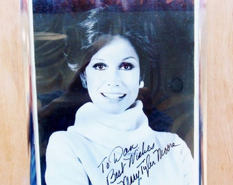 Mary Tyler Moore Celebrity Autograph Publicity Photo 1980s RIP