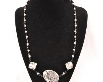 Set of 2: Black and white splash necklace and earrings