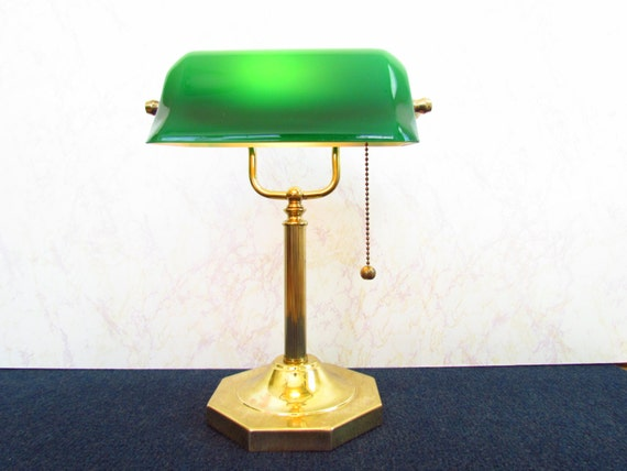 Brass Bankers Desk Lamp with GREEN Glass Shade – Old Desk Lamps
