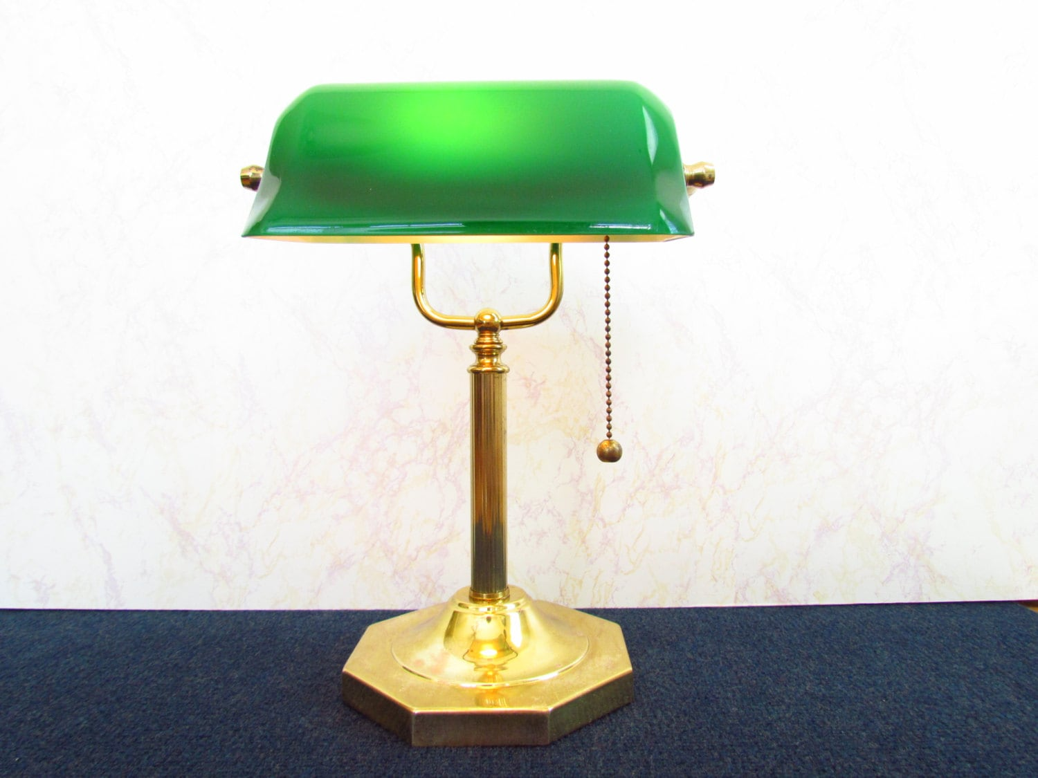 Vintage bankers desk lamp -  Bankers Desk Lamp With Green Glass Shade Zoom