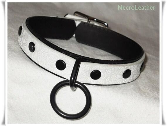 Pretty slave collar