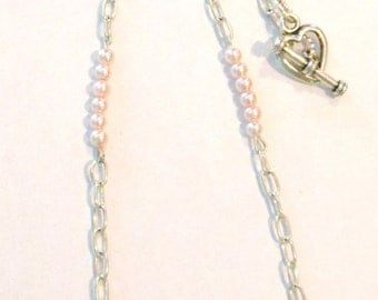 Simply Stated Pink Pearl Neckalce