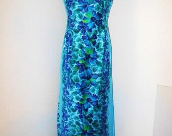 Gorgeous!! Vintage Hawaiian Floral dress