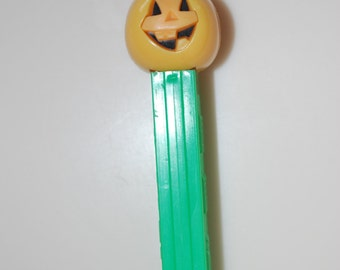 Jack O' Lantern Pumpkin Halloween Pez Dispenser Made in Austria Patent # 3.9