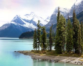 Nature Landscape photography - Spirit Island and Maligne Lake, Jasper National Park,