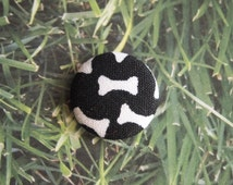 Paw print or dog bone print fabric covered buttons (size 60, 40, 32)