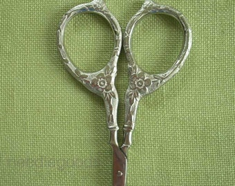 TUDOR ROSE scissors for embroidery, knitting, cross stitch, crafts