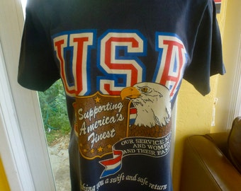 USA Eagle 1980s vintage tee shirt - blue size small or medium
