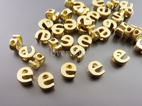 2 lowercase letter e matte gold initial beads initial charms alphabet beads