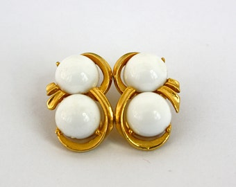 Vintage 80s Bead Earrings Gold w White Double Plastic Beads Clip Backs