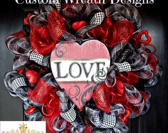 Valentines Day Wreath, Valentines wreath, wreath, deco mesh wreath, valentines decor, valentines day decor, heart wreath, mesh wreath