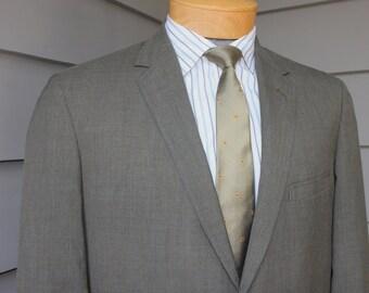 vintage 1960's Men's Summer weight 'Trad' sport coat. 2 button -sack-. Green - Gold - Blue sharkskin. Size 38 - 40