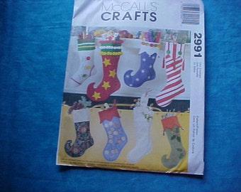 McCalls Crafts 2991 Christmas Stockings.