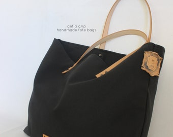 VINTAGE TOTE... Beach Bag Size... Black