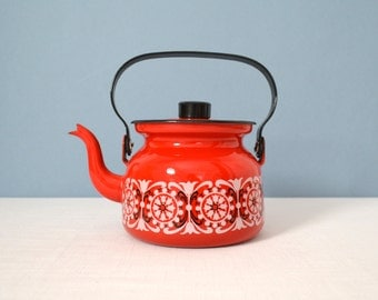 Vintage Red Finel Enamel Teapot - Punahilkka