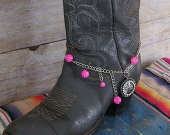 Pink Boot Bracelet with 'Queen' Bottle Cap Word Charm - for Western Boots & Dress Boots. Free US Shipping on All Jewelry