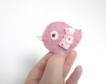 Brooch Bird in pink felt kawaii broche petit oiseau pajarito shabby chic cute felted