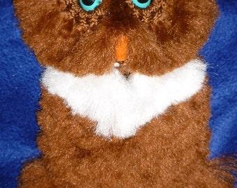 Owl wall decor, macrame. Fluffy Brown/White