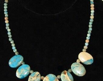 Serpentine Graduated Stone Necklace