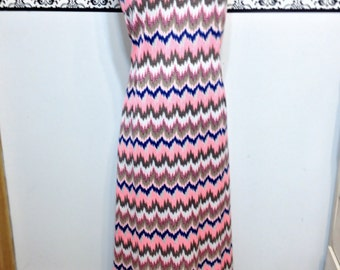 Coral, Blue and White Aztec Print Maxi Dress 1960's / 1970's Vintage Size Small