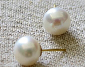 Pearl Studs, Pearl Earrings, Wedding Pearl Earrings, Gift for Her, 10mm White Pearls, Handmade Earrings, Genuine Pearls, Venexia Jewelry