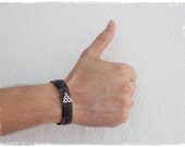 Celtic Leather Bracelet, Trinity Knot Bracelet, Men's Leather Cuff Bracelet, Leather Triquetra Bracelet, Wiccan Leather Cuff, Men's Bracelet