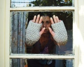 Hand knit fingerless gloves - chunky fingerless mittens - hand warmers grey and beige