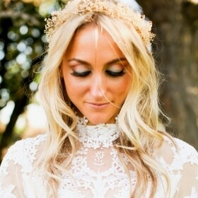 Woodland Bridal floral crown hair wreath Babys Breath Dried Flowers Halo Hairpiece Natural Wedding hair accessories floral garland costume