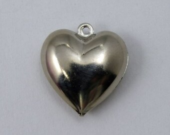 18mm Silver Puff Heart (2 Pcs) #1641