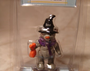 "Hallmark Merry Miniatures ""Treat"" Itty Bitty Bear Collection Halloween Brandnew in Pack"