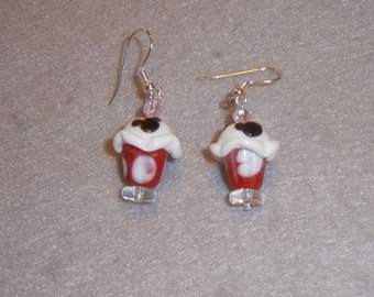 Cupcake earrings with a Mouse