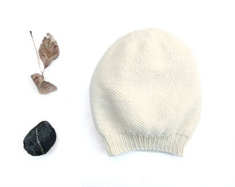 Merino Camila Slouch Hat / Beanie. Men / Women. Porcelain / Cream. Urban Style. Spring / Fall / Winter. Hand Knit in France.