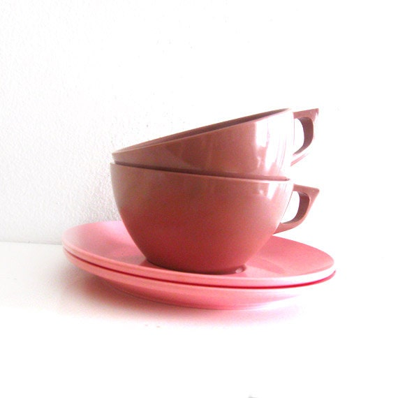 Vintage Melamine Cups and Saucers - Brown and Pink Melmac - Marcrest Boontonware