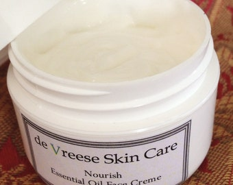 Pure Facial & Eye Creme with peptides, hyaluronic acid and Rose Otto essential oil - esthetician formulated - Nourish
