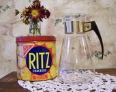 Vintage mid century modern Corning ware pitcher/carafe.
