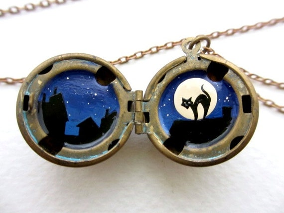 Painted Locket, Black Cat and Full Moon Necklace, Spooky Night with Stars and Kitty Silhouette - kharaledonne