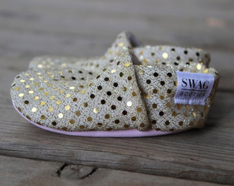 Baby booties girls Slippers Crib Shoes Infant newborn Soft Soled Shoes  Sparkly Gold Sequins non slip SWAG shower gift shimmer