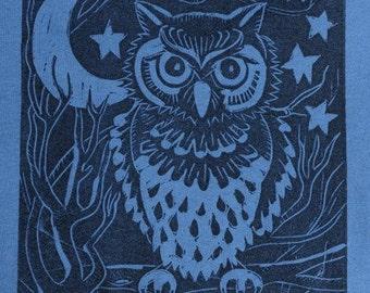 Night Owl - Men's Tshirt on Dark Blue - Size XL