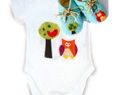Owl Babygro and Bootie Gift Set / Felt Baby Shoes / Bodysuit / Baby Shirt / All in One / Unisex Baby Clothes / New Baby Gift