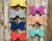 MEDIUM Chunky Wool Felt Bows - Spring Favorites Collection -  Coral and Mint Felt - Set of 14